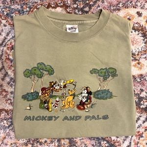 Vintage Disney Store embroidered t-shirt